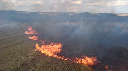 13. 08. 2012 - Bobrová - požár strniště