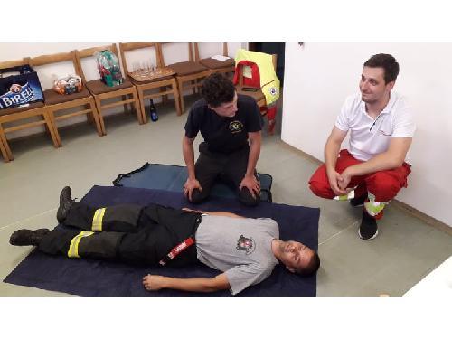 Školení poskytnutí první pomoci s AED